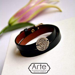 دستبند چرم پلاک نقره طرح قدیم